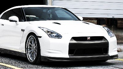 Nissan GTR Spray Painting Singapore - CarCrafters