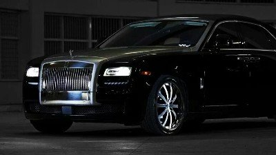 Rolls-Royce Spray Painting Singapore - CarCrafters